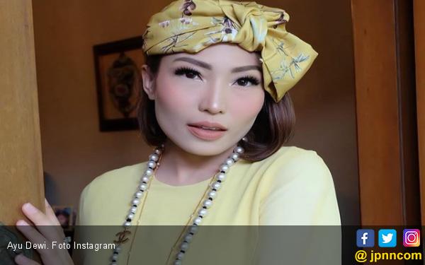 Zumi Zola Disebut Kena Karma, Ayu Dewi Merespons Begini - JPNN.com