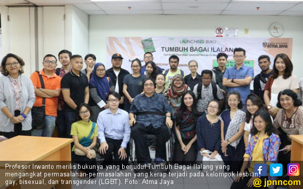 Profesor Irwanto Luncurkan Buku Tumbuh Bagai Ilalang - JPNN.COM