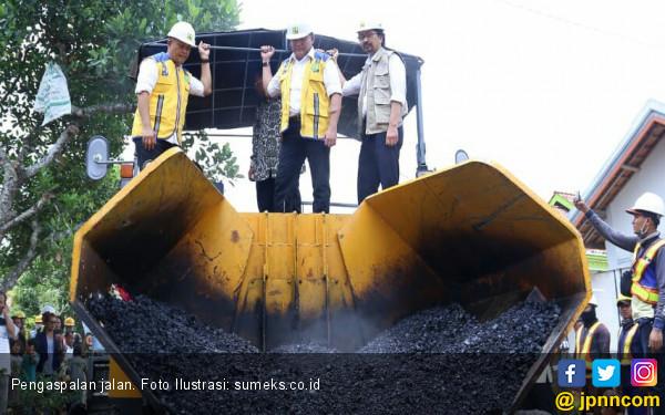 KemenPUPR Gunakan Aspal Karet Bangun Jalan di Kota Lahat - JPNN.com