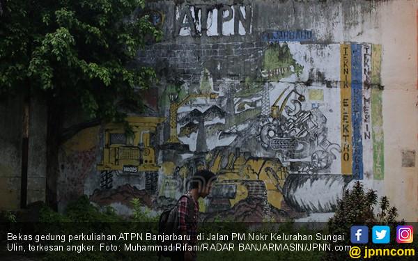 Hantu Cantik Berambut Panjang di Bangunan Bekas Kampus ATPN - JPNN.COM