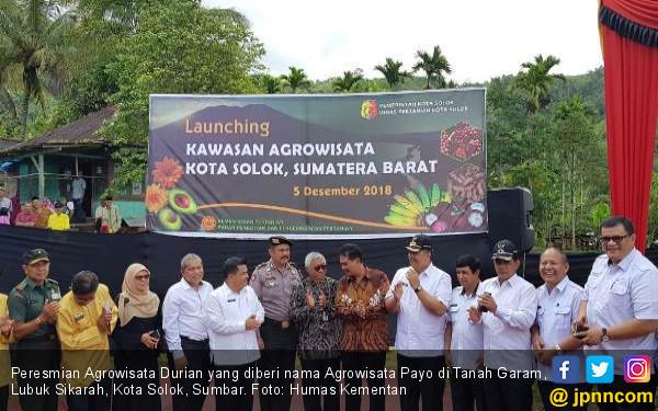 Kementan Resmikan Agrowisata Durian di Kota Solok - JPNN.COM