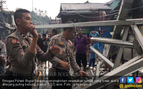Puting Beliung Bogor: 770 Rumah Rusak, 1 Orang Meninggal - JPNN.COM