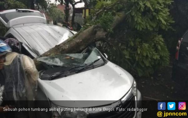 Awas! Puting Beliung Masih Ancam Bogor - JPNN.COM