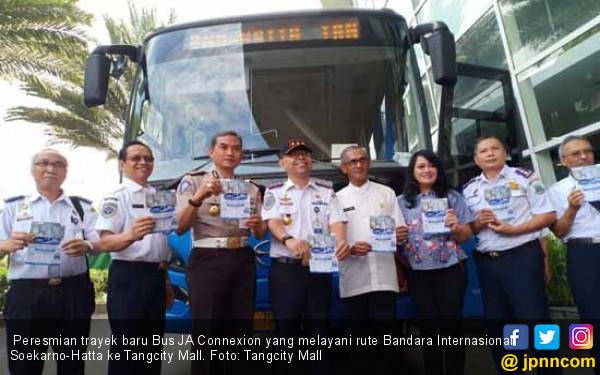 Bus JA Connexion Layani Rute Tangcity Mall - Bandara Soetta - JPNN.COM