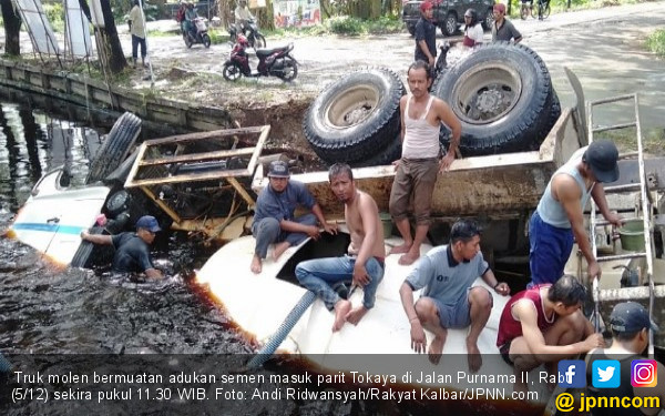 Orang Gangguan Jiwa Nyetir Truk Molen, Begini Jadinya - JPNN.COM