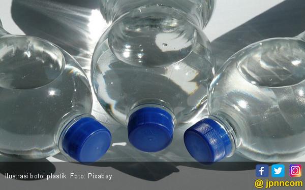 Sudah Saatnya Mengurangi Pemakaian Botol Plastik - JPNN.COM