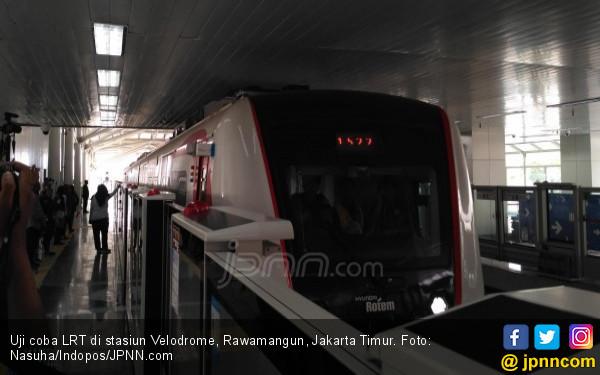 Antusisme Masyarakat Ikut Uji Coba LRT Jakarta, Wouw! - JPNN.COM
