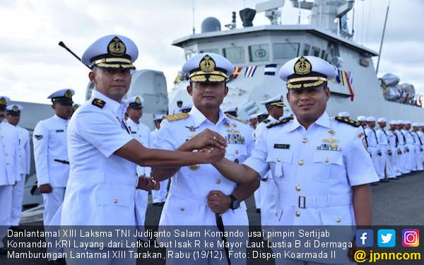 Komandan KRI Layang-635 Berganti Tongkat Komando - JPNN.COM