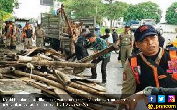 Berulang Kali Dibongkar, Eh Warga Masih Bikin Lagi - JPNN.com
