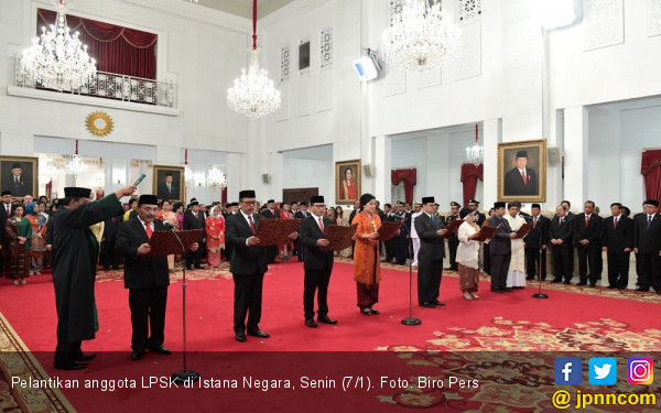 7 Anggota LPSK Ucap Sumpah di Depan Jokowi - JPNN.com