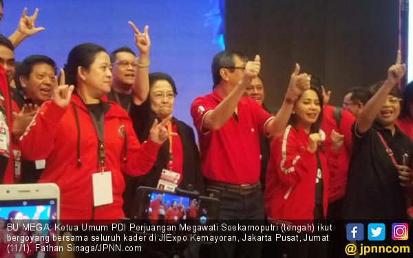 Jokowi Satu Kali Lagi Berkumandang, Bu Mega Ikut Bergoyang - JPNN.COM