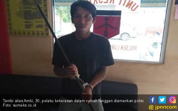 Suami Edan, Kepala Istri Dihantam Pakai Linggis - JPNN.COM