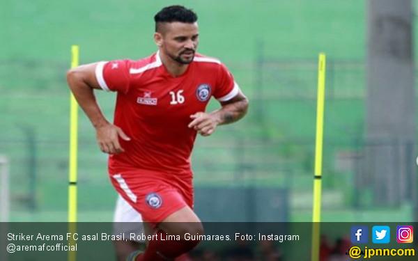 Sang Gladiator Pamer Skill di Latihan Perdana Arema FC - JPNN.COM