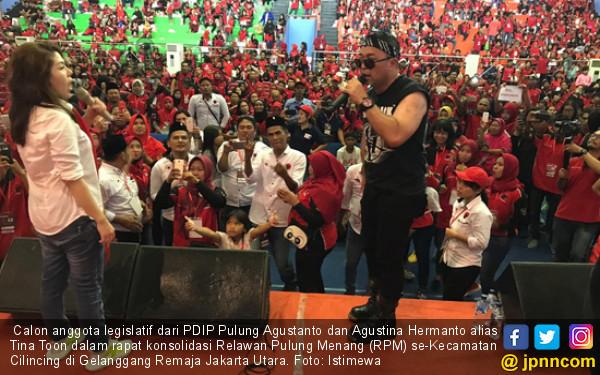 Pulung Caleg Rocker-Tina Toon Semangati Relawan demi Jokowi - JPNN.COM