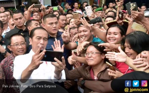 Jokowi Tidak Takut di Dekat Rumahnya Ada Markas Prabowo - JPNN.COM
