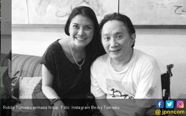 Sahabat Ungkap Penyebab Robby Tumewu Meninggal - JPNN.COM