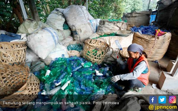Daur Ulang Disebut Jadi Solusi Tepat Atasi Sampah Plastik - JPNN.COM
