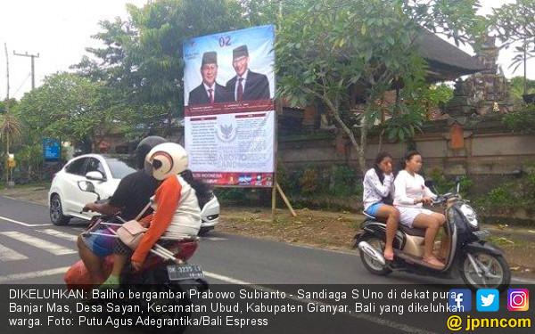 Baliho Prabowo-Sandiaga di Dekat Pura Jadi Keluhan Warga - JPNN.COM