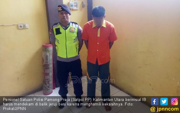 Siswi SMA Pacaran dengan Oknum Satpol PP, Sering Begituan Sampai Hamil - JPNN.com