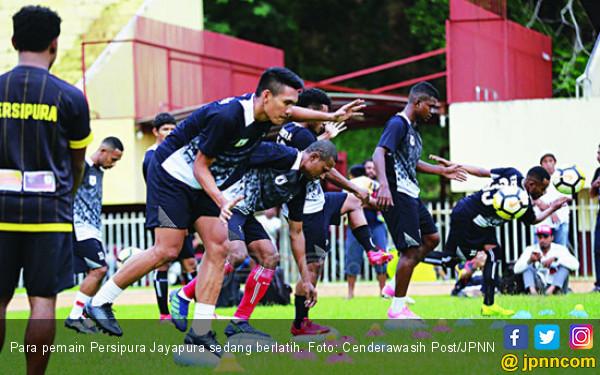 Persipura vs Kalteng Putra: Adu Cerdas Nakhoda Samba - JPNN.COM