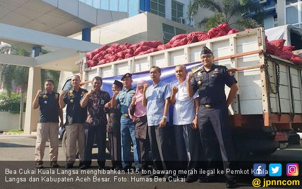 Bea Cukai Kuala Langsa Hibahkan 13,5 Ton Bawang Merah Ilegal Layak Konsumsi - JPNN.COM