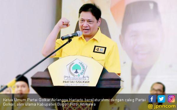 Airlangga Minta Kader Golkar di Parlemen Lebih Aktif Mendukung Program Jokowi - JPNN.com