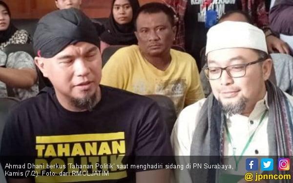 Ahmad Dhani, Tahahan Politik yang Tertidur di Ruang Jaksa PN Surabaya - JPNN.COM