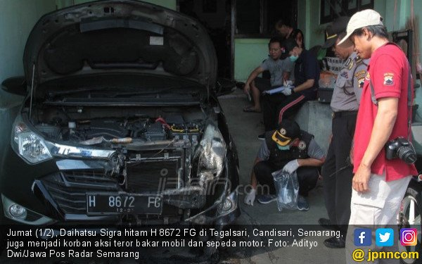 Laporan Wadir Intelkam Kasus Teror Bakar Mobil dan Motor - JPNN.com