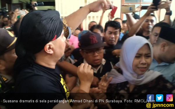 Siti Histeris, Lalu Berteriak: Allahuakbar, Ahmad Dhani Tidak Bersalah - JPNN.COM
