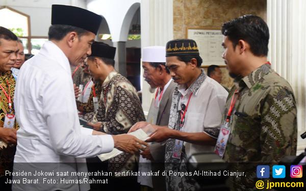 Jokowi Dapat Doa Panjang Jabatan saat Kunjungan ke Cianjur - JPNN.COM