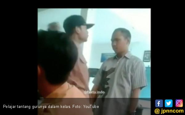 Ryan Si Siswa Penantang Guru Disanksi Salat Zuhur Berjemaah - JPNN.COM
