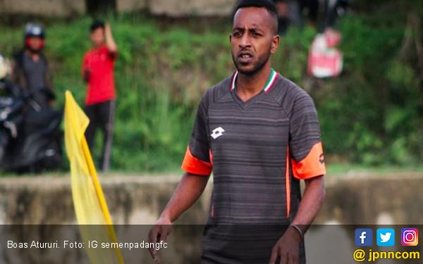 Lepas dari Persipura, Boas Atururi Kembali ke Pelukan Klub Lamanya - JPNN.COM