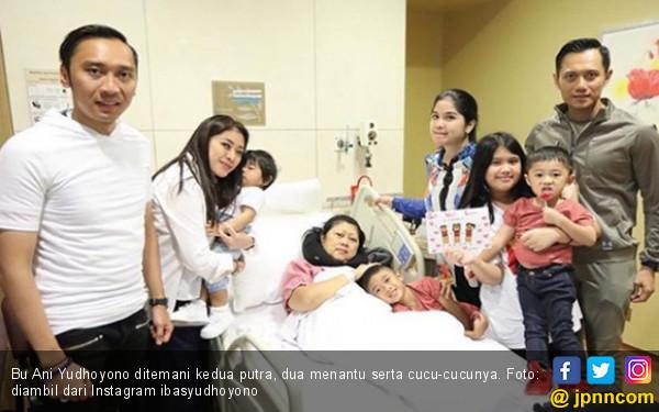 Foto Ini Bukan Postingan Menyenangkan Buat Mas Ibas dan Keluarga Besar - JPNN.COM