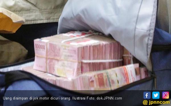Uang Banyak Banget Disimpan di Jok Motor, Lenyap - JPNN.COM