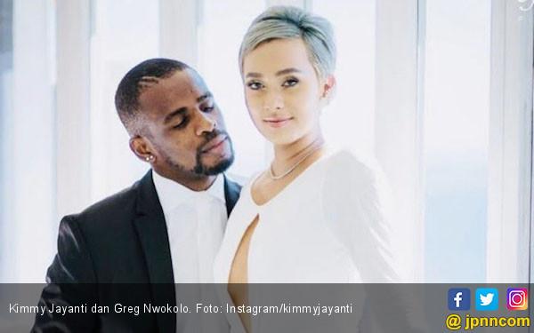 Kimmy Jayanti Hamil Anak Greg Nwokolo - JPNN.COM