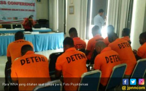 11 WNA Asal Afrika Ditahan Kantor Imigrasi Bekasi - JPNN.COM