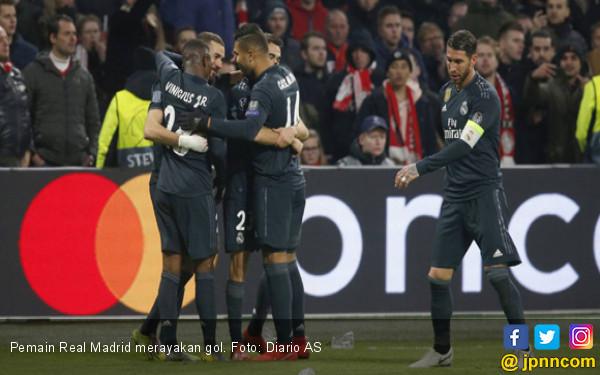 Diwarnai VAR Kontroversial, Real Madrid Bikin Ajax Gigit Jari - JPNN.COM