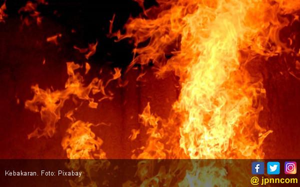 Anak Bermain Korek Api, Rumah Terbakar - JPNN.COM