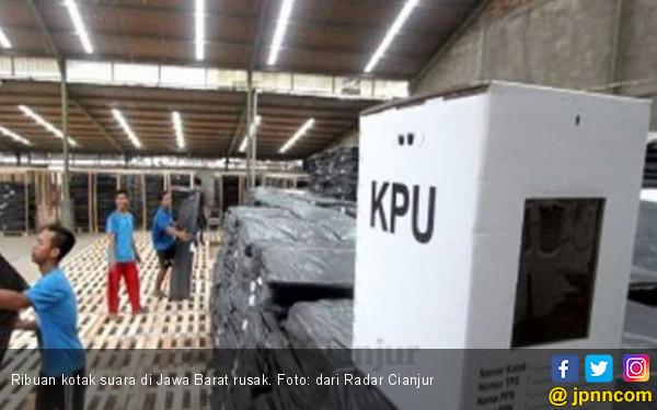 2.463 Kotak Suara di Jawa Barat Rusak, Segel Mudah Robek dan Gampang Luntur - JPNN.COM
