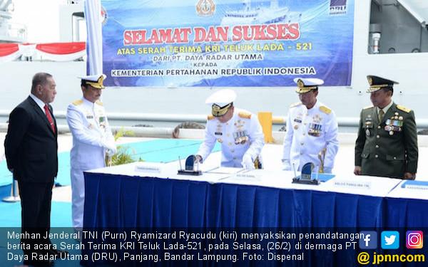 KRI Teluk Lada-521, Alutsista Terbaru Berteknologi Canggih Perkuat Koarmada III TNI AL - JPNN.com