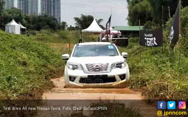 Test Drive Nissan Terra: Cocok untuk Berpetualang - JPNN.com