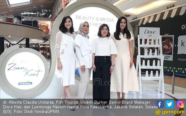 Fitri Tropica dan Dokter Claudia Ajak Perempuan Peduli Kesehatan Rambut - JPNN.com