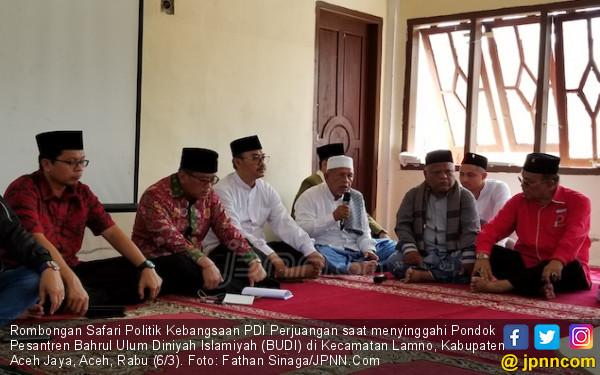 Kunjungi Pesantren di Aceh, Hasto Tegaskan Komitmen Jokowi untuk Santri - JPNN.com