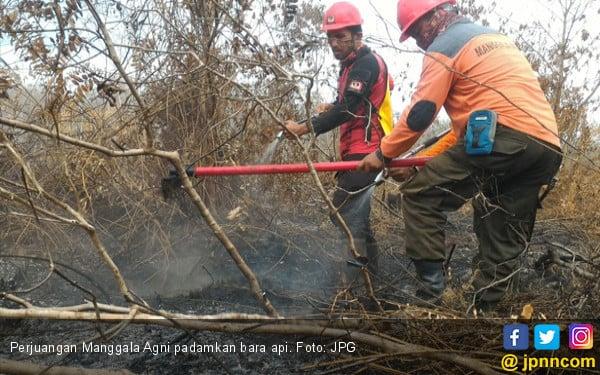 Kisah Perjuangan Manggala Agni I: Tak Lelah Mendinginkan Bara Api di Bawah Kaki - JPNN.COM