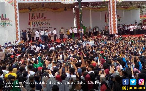 Jokowi Berbagi Tips Aman Berkendaraan kepada Kaum Milenial Palembang - JPNN.com