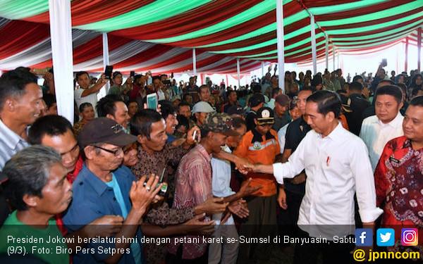 Di Hadapan Petani, Jokowi Jelaskan Upaya Pemerintah Dongkrak Harga Karet