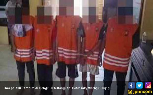 Lima Pelaku Jambret dengan 10 TKP Akhirnya Diringkus Polda Bengkulu - JPNN.com