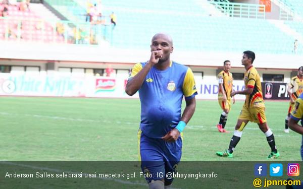 Persebaya Dipermalukan Bhayangkara FC Lewat Gol Salles - JPNN.com