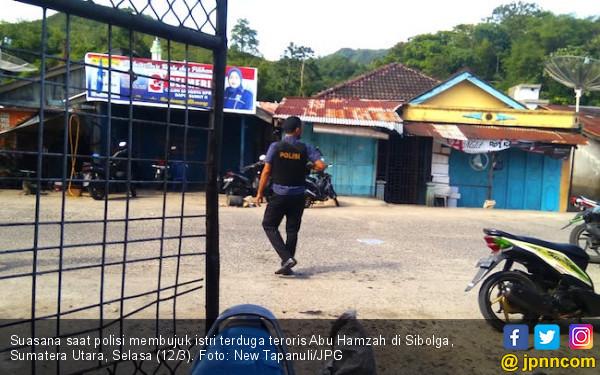 Istri Terduga Teroris Sibolga Ledakkan Diri, Polisi Cari Sisa-sisa Bom - JPNN.com