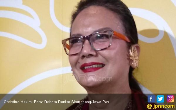 Christine Hakim: Di Rumah Saya Selalu Ada Dua Ekor - JPNN.com
